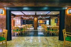 70258_003_Restaurant