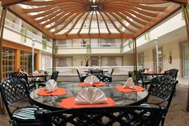 70258_005_Restaurant