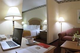 70258_007_Guestroom