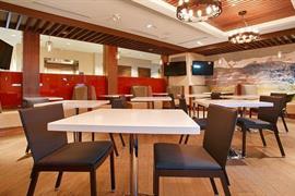 61087_007_Restaurant