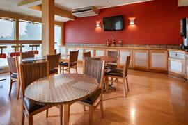 48146_006_Restaurant