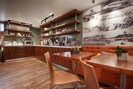 05598_002_Restaurant