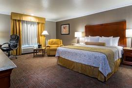 05417_002_Guestroom