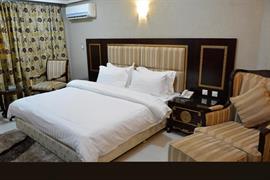 75501_007_Guestroom