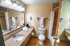36102_007_Guestroom