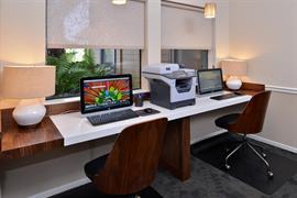 05548_004_Businesscenter