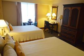 70278_005_Guestroom