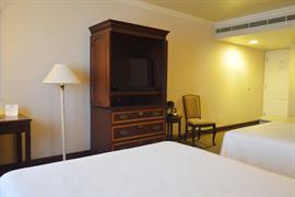 70278_006_Guestroom