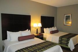 14204_005_Guestroom