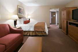 48092_005_Guestroom