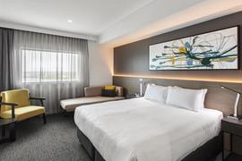 97452_004_Guestroom