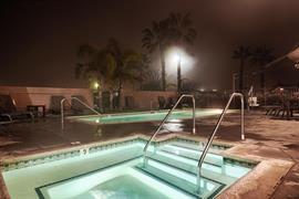 05713_003_Pool
