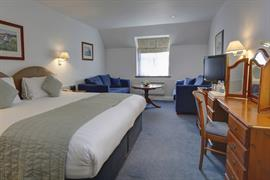 old-tollgate-hotel-bedrooms-17-83346