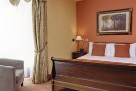 old-tollgate-hotel-bedrooms-22-83346