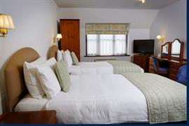old-tollgate-hotel-bedrooms-30-83346