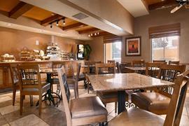 05693_006_Restaurant