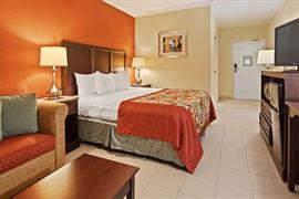 10389_005_Guestroom