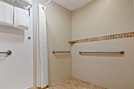10389_007_Guestroom