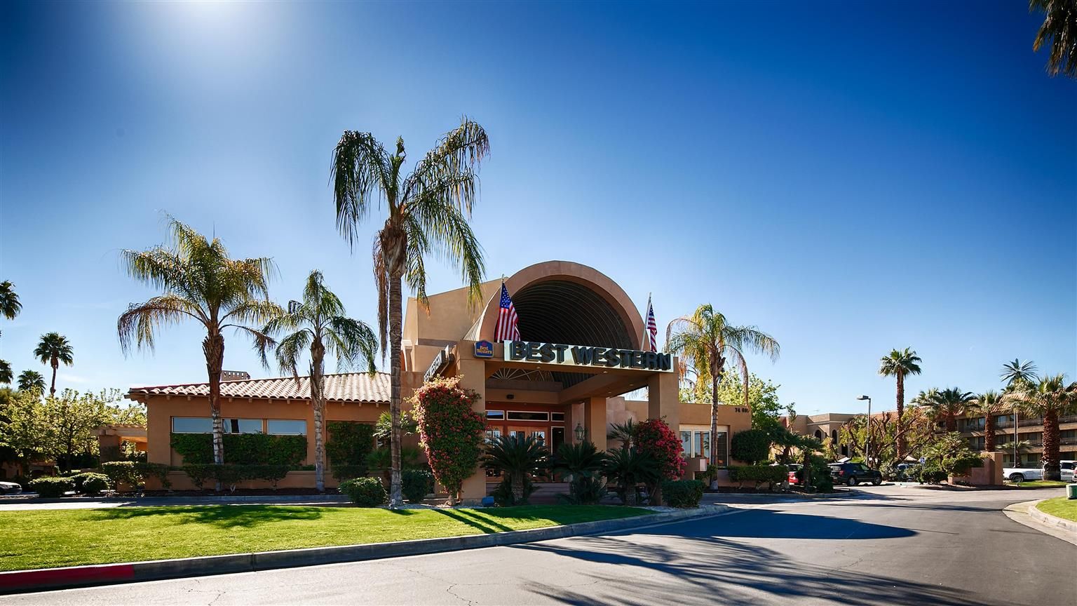 Best Western Plus Palm Desert Resort - Amazing hotel located desert looks like ultimate escape