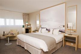 93780_003_Guestroom