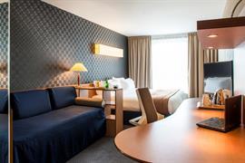 93716_000_Guestroom