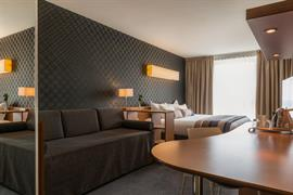 93716_006_Guestroom