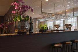 88207_005_Restaurant