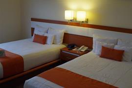 70259_007_Guestroom