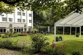 pinewood-hotel-grounds-and-hotel-45-83933