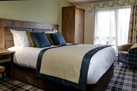 pinewood-hotel-bedrooms-52-83933