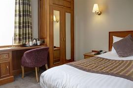 pinewood-hotel-bedrooms-55-83933