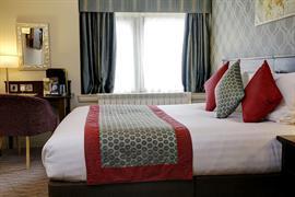 pinewood-hotel-bedrooms-56-83933