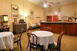 48128_003_Restaurant