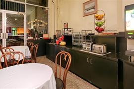 48128_004_Restaurant