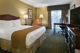48106_005_Guestroom
