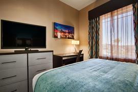 44687_005_Guestroom