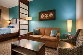 44687_006_Guestroom