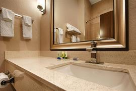 44687_007_Guestroom