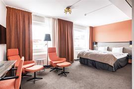 88218_005_Guestroom