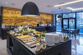 81035_002_Restaurant