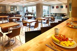 62072_006_Restaurant