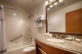 06144_006_Guestroom