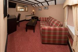 rogerthorpe-manor-hotel-bedrooms-16-83653