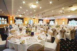 rogerthorpe-manor-hotel-wedding-events-18-83653