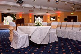 rogerthorpe-manor-hotel-wedding-events-19-83653