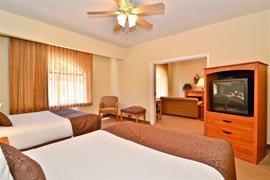 32102_004_Guestroom