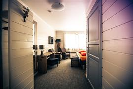 73128_005_Guestroom