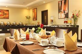76591_002_Restaurant