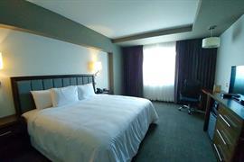 70284_004_Guestroom