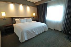 70284_006_Guestroom